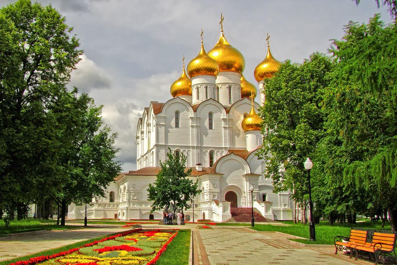 Russian Holidays. Golden Ring. Yaroslavl.