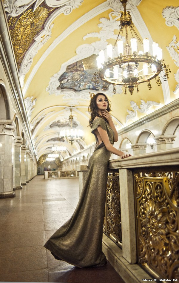 Photoshoot in Moscow metro