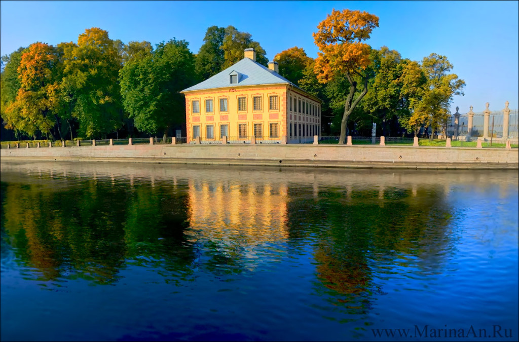 10 Must see places in Saint Petersburg. Summer Garden and Peter I Palace.