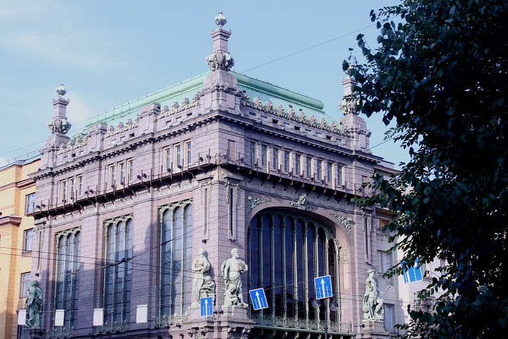 Historical buildings and landmarks of St Petersburg on our walk