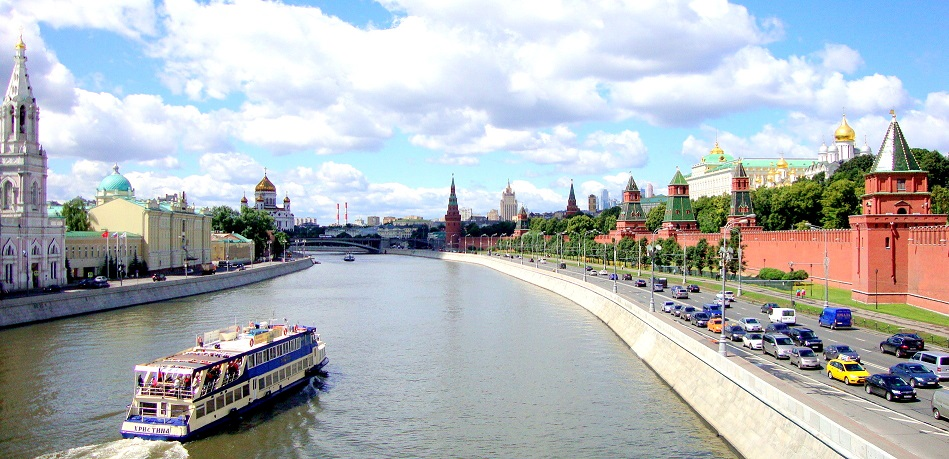 River cruise along Moscow river and Kremlin embankment