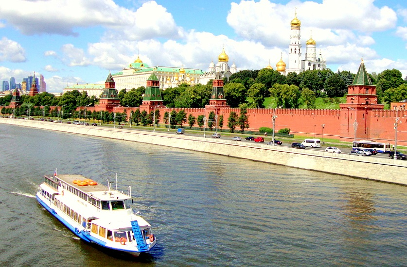 what to do in Moscow? Moscow River Cruise is the best thing to do in Moscow