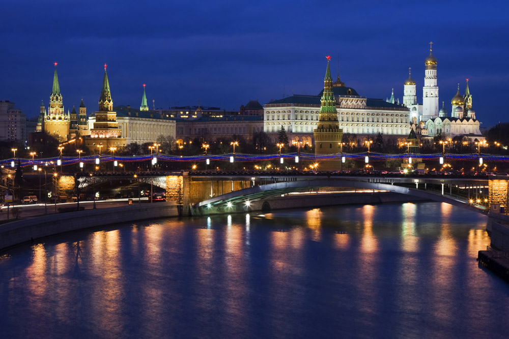 Night views of the Kremlin.
