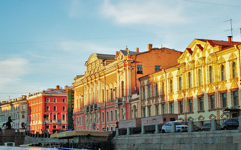 travel-to-st-petersburg-in-summer
