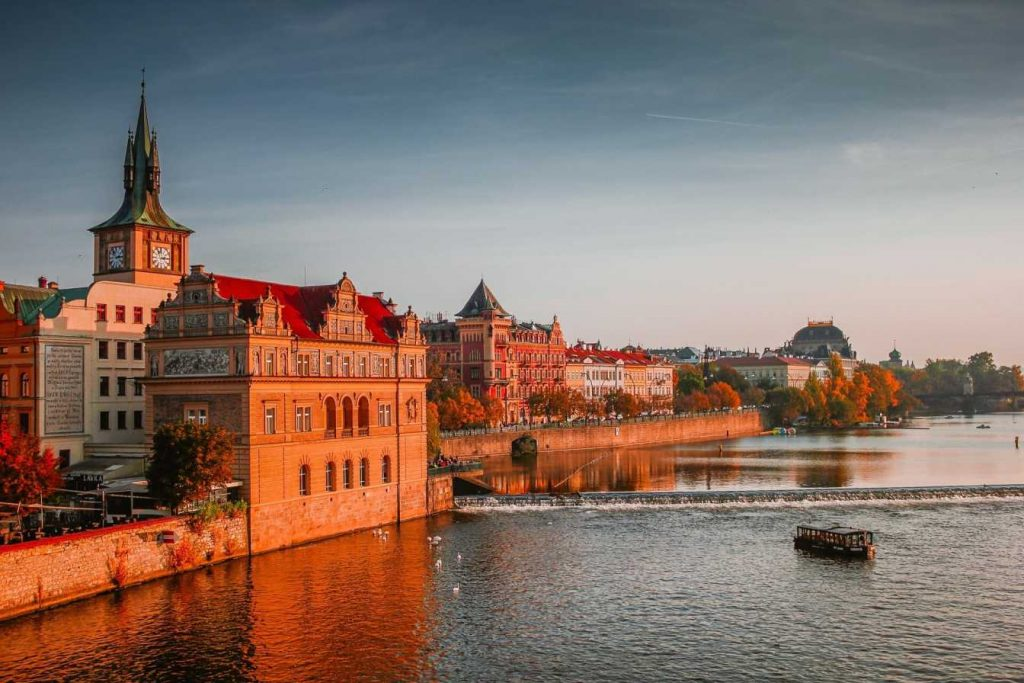 is it safe to travel to Czech republic